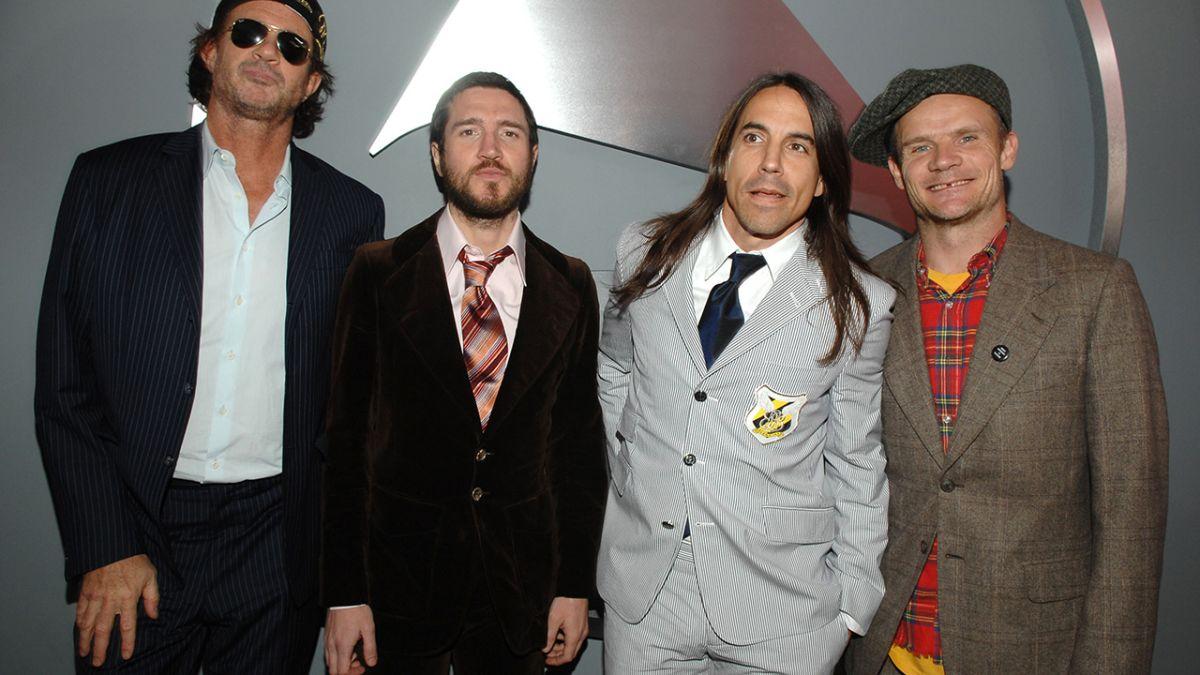 Red Hot Chili Peppers bring back guitarist John Frusciante